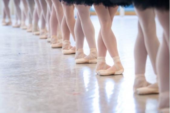 Πως είναι τα μαθήματα μπαλέτου σε διάσημες Σχολές Χορού του κόσμου